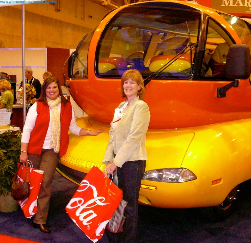oscar-mayer-weinermobile-st-louis-missouri