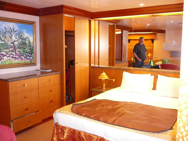 Your guide to booking a cruise includes what to look for in a room, itinerary, and price.