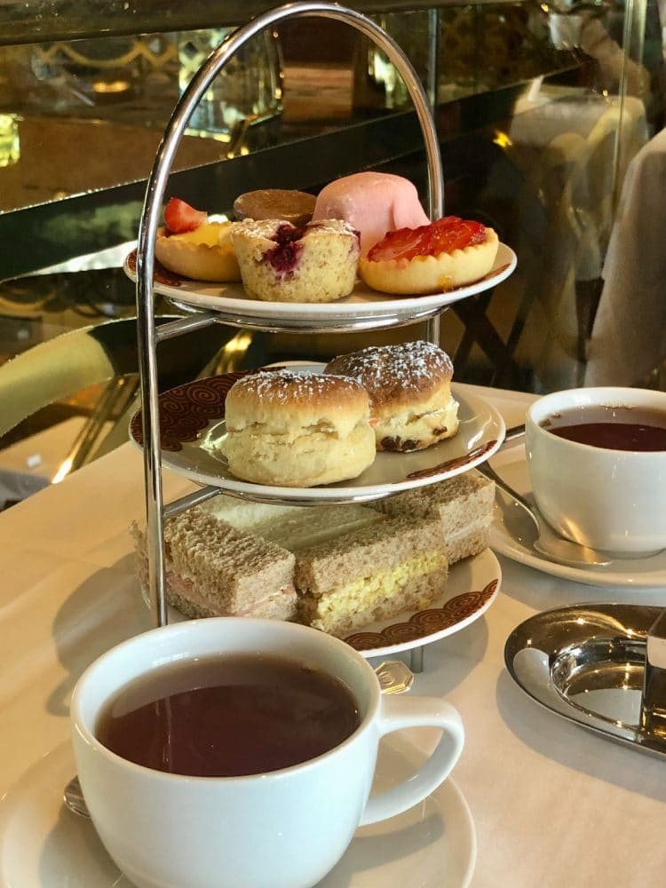 afternoon tea on cruise ship