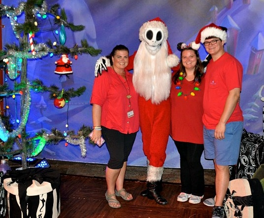 Christmas photo with sandy claws magic kingdom