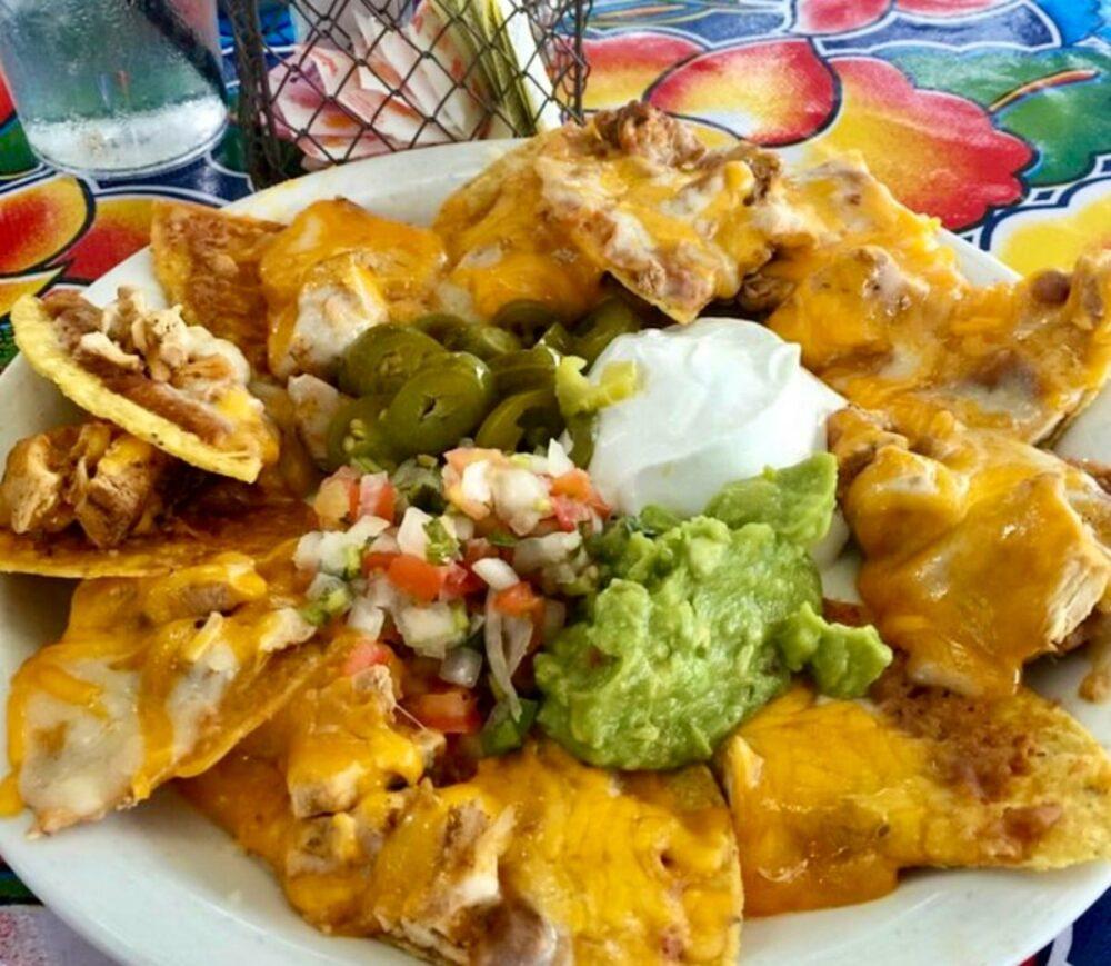 Milagro's Hill Country chicken nachos