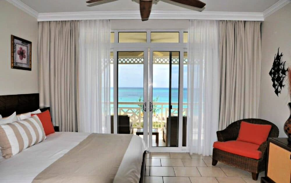 bedroom-in-provo-on-the-beach