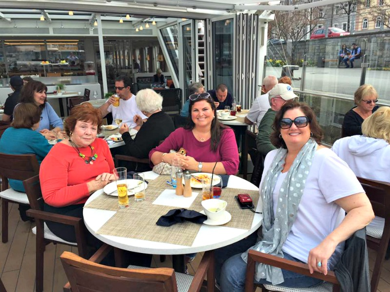 friends-having-lunch-back-of-viking-riverboat
