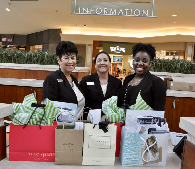 The customer service ladies at the Gardens Mall in Palm Beach Gardens is spectacular.