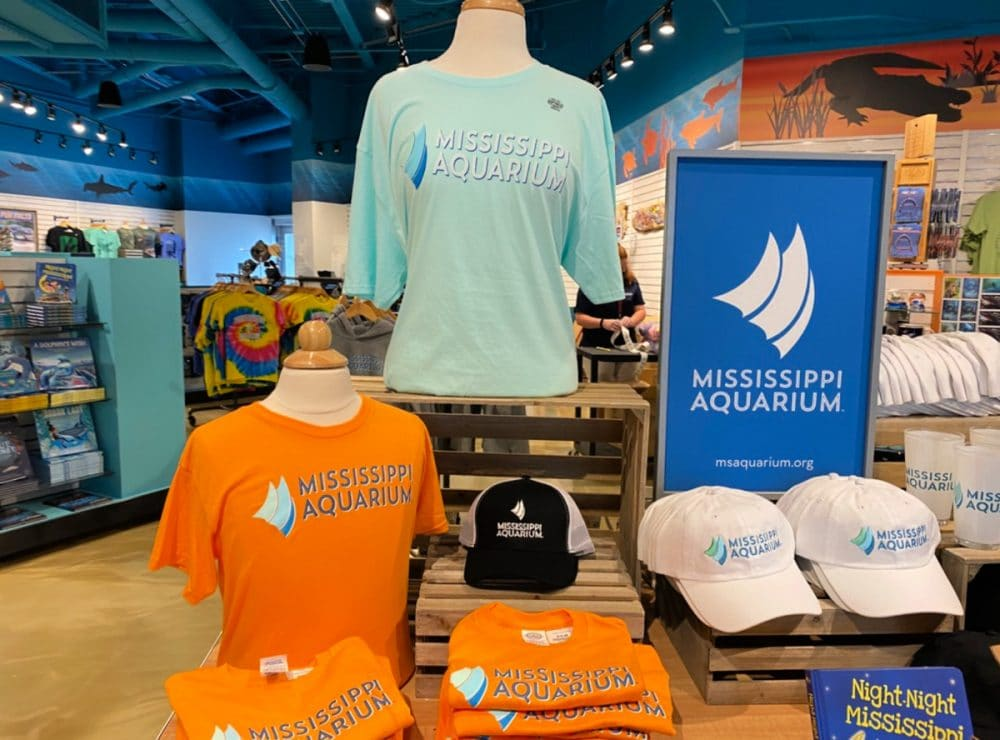 gift-shop-at-the-Mississippi-aquarium