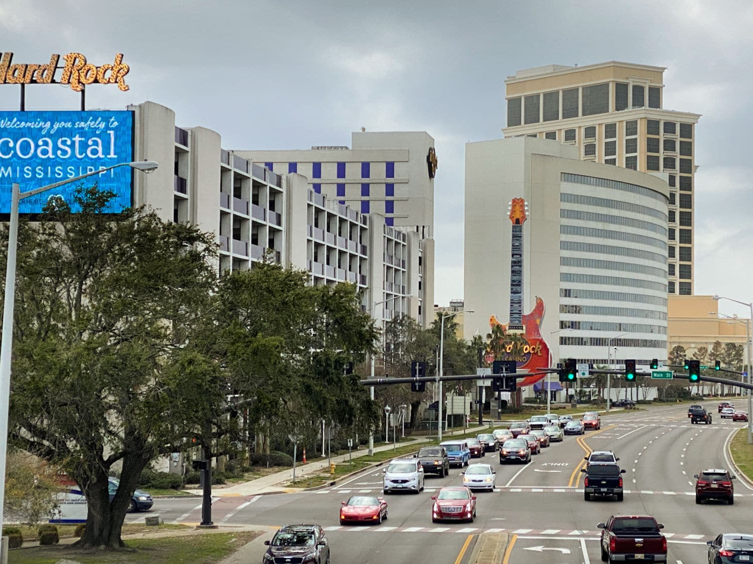 street-view-of-hotels-and-casinos-in-Biloxi