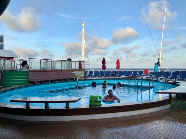 carnival vista swimming pool