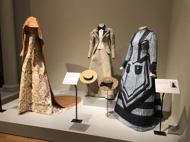 fashions-in-museum