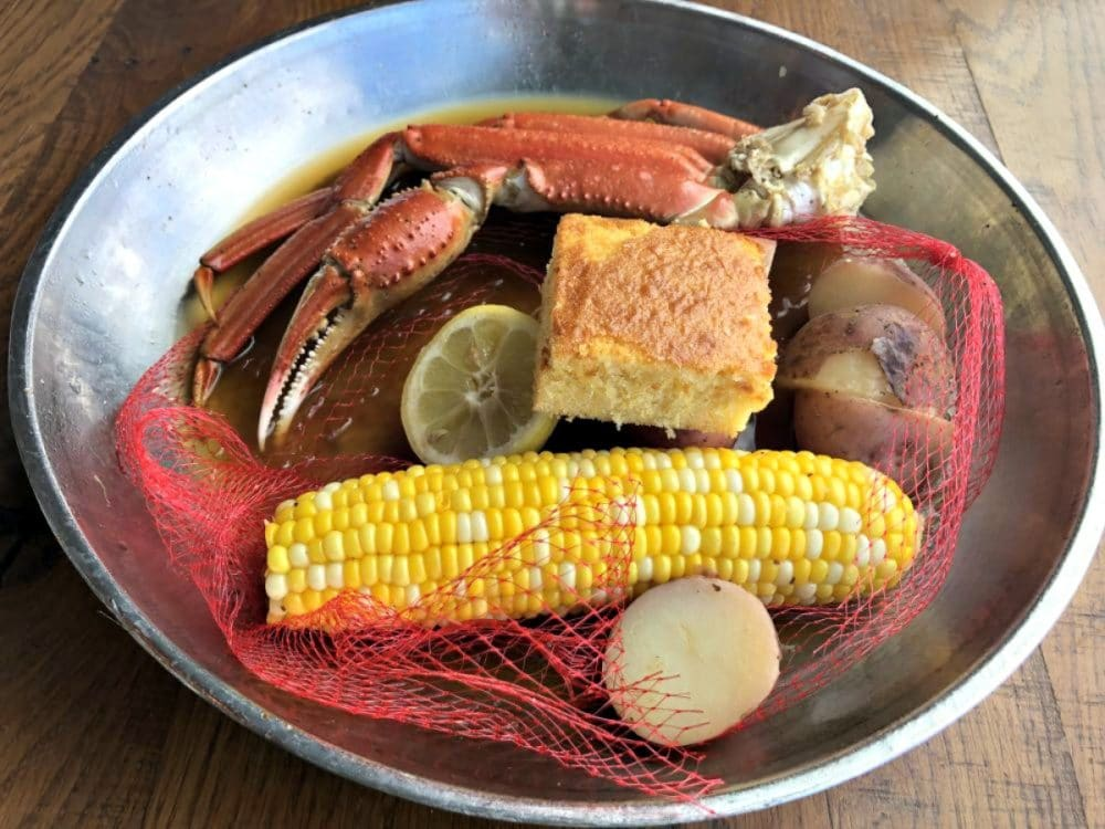 snow-crab-boil-paddlefish