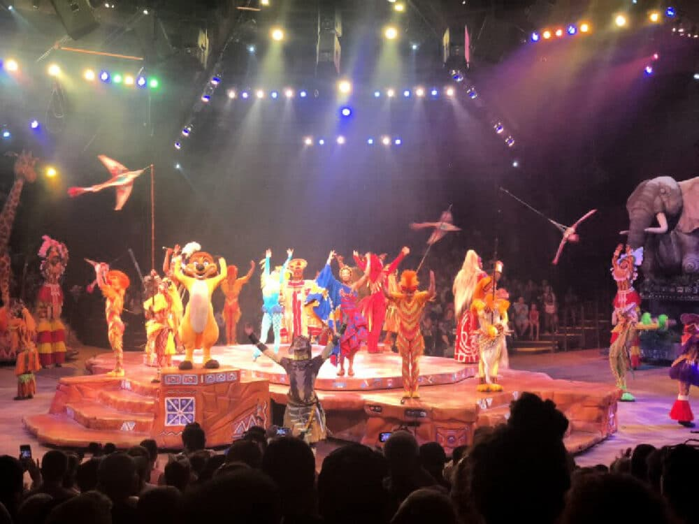 festival-of-the-lion-king-performance