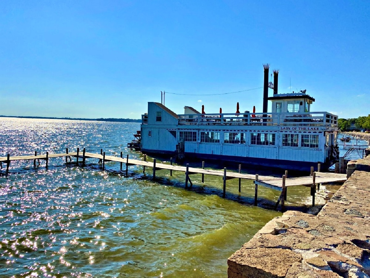 lady of the lake paddlewheeler