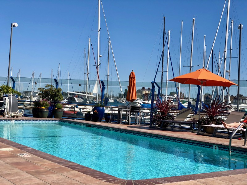 waterfront hotel Oakland california jack London square pool