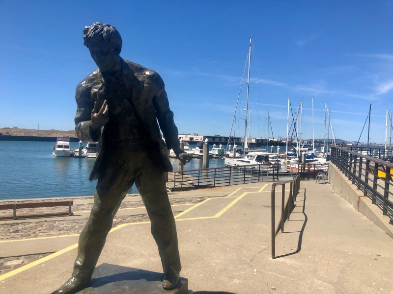 jack London statue in the Oakland harbor