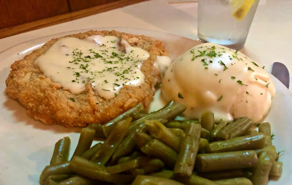 western kansas saloon chicken fried steak with green beans