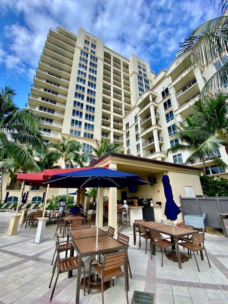 Marriott singer island patio and pool