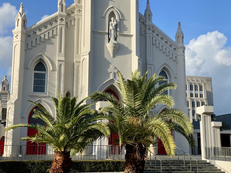 downtown Baton Rouge church