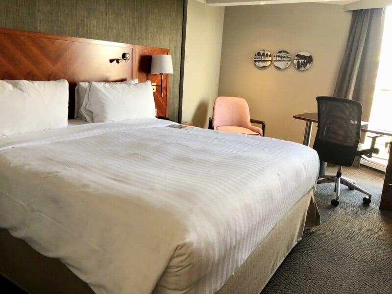 Marriott Paris bedroom setting