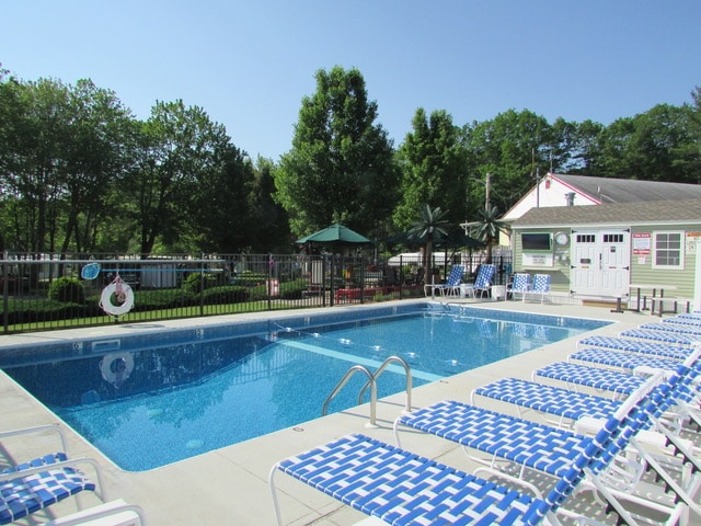 Red Apple Campground pool