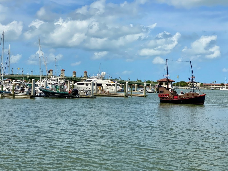 boats and pirate ship in st augustine
