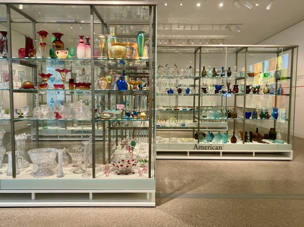 glassware collection at toledo glass pavilion