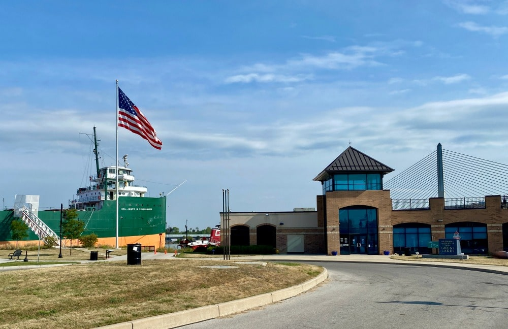 museum of great lakes tug boat and entrance