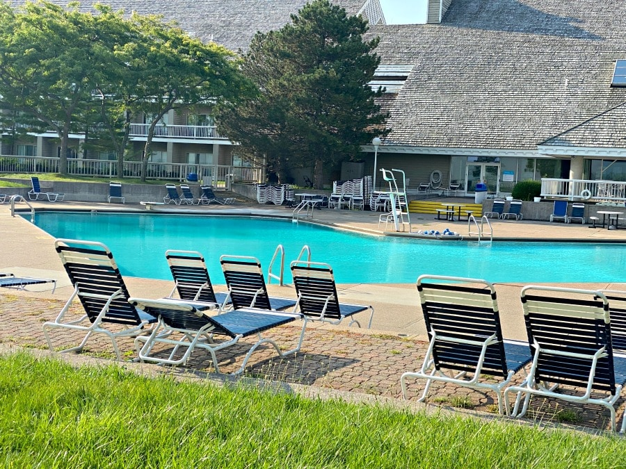 outdoor pool maumee bay state park