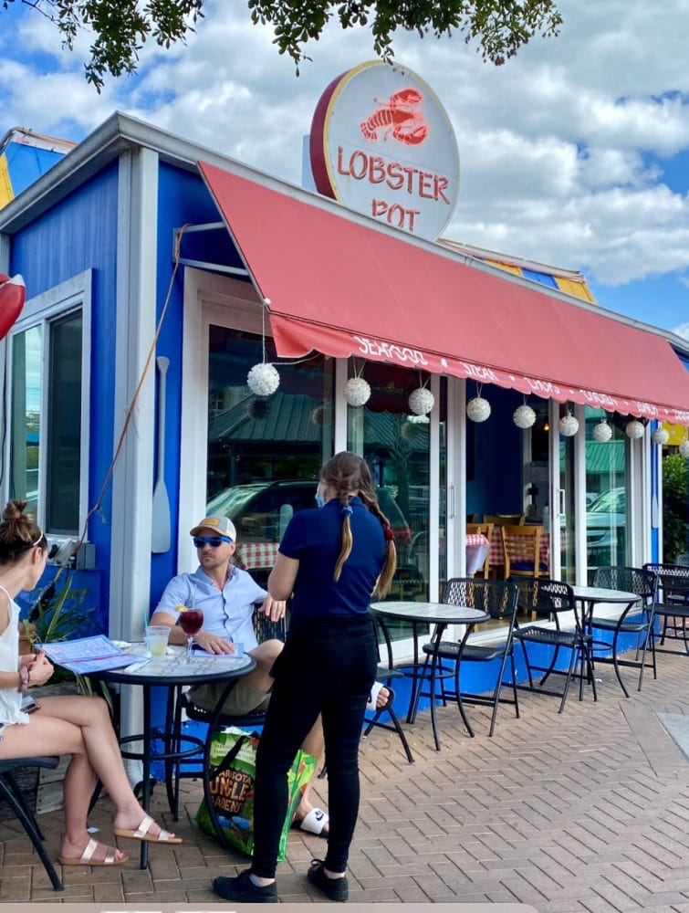 the lobster pot outdoor seating