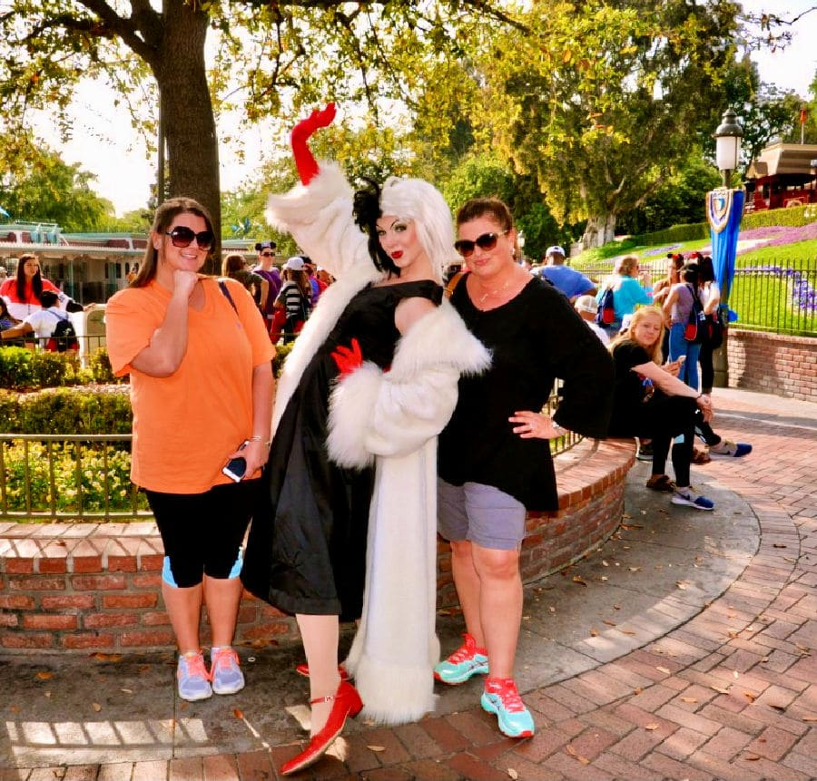 disneyworld posing with cruella da ville