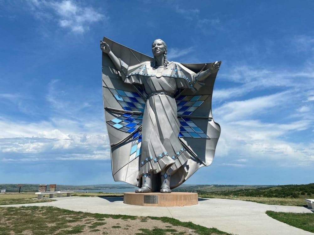 memorial to dignity native american