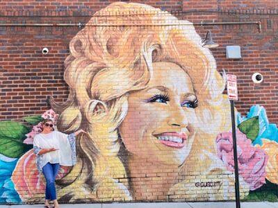 dolly-parton-mural-asheville