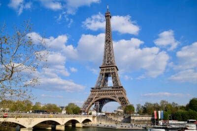 eiffel-tower-and-blue-sky