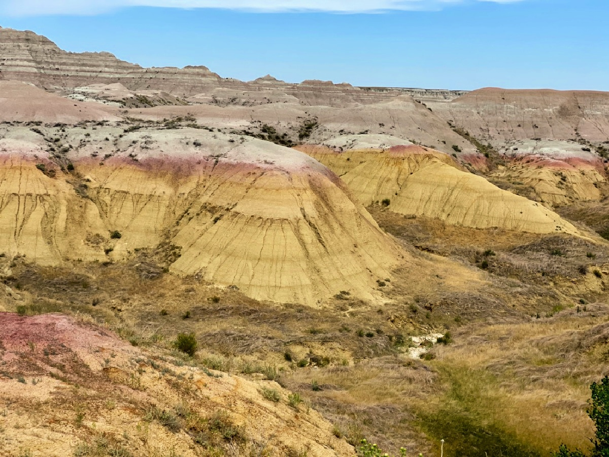 colored-rings-on-the-badlands-rock-formations