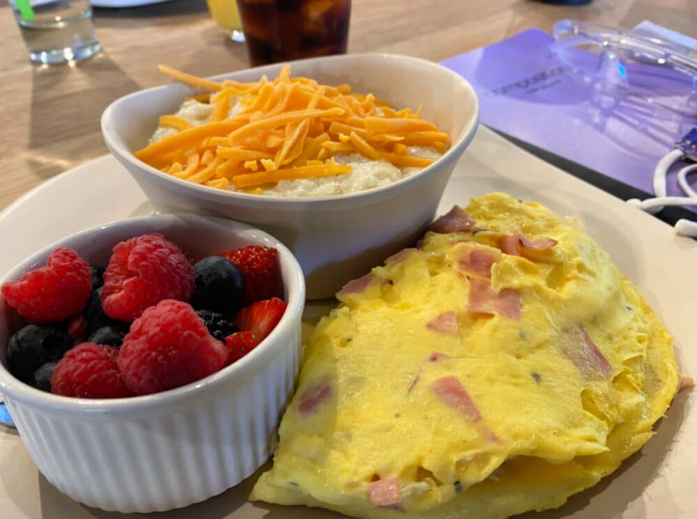 woodside-restaurant-breakfast-omelet