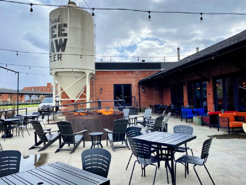 yeehaw-brewing-taproom