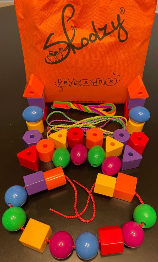 best-toys-for-toddlers-skoolzy-lacing-beads