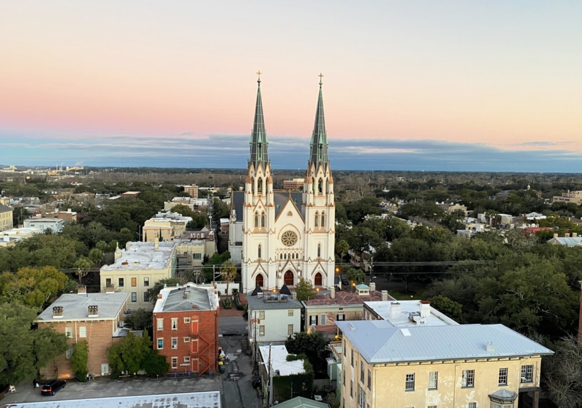 city-view-from-hotel-balcony-in-savannah