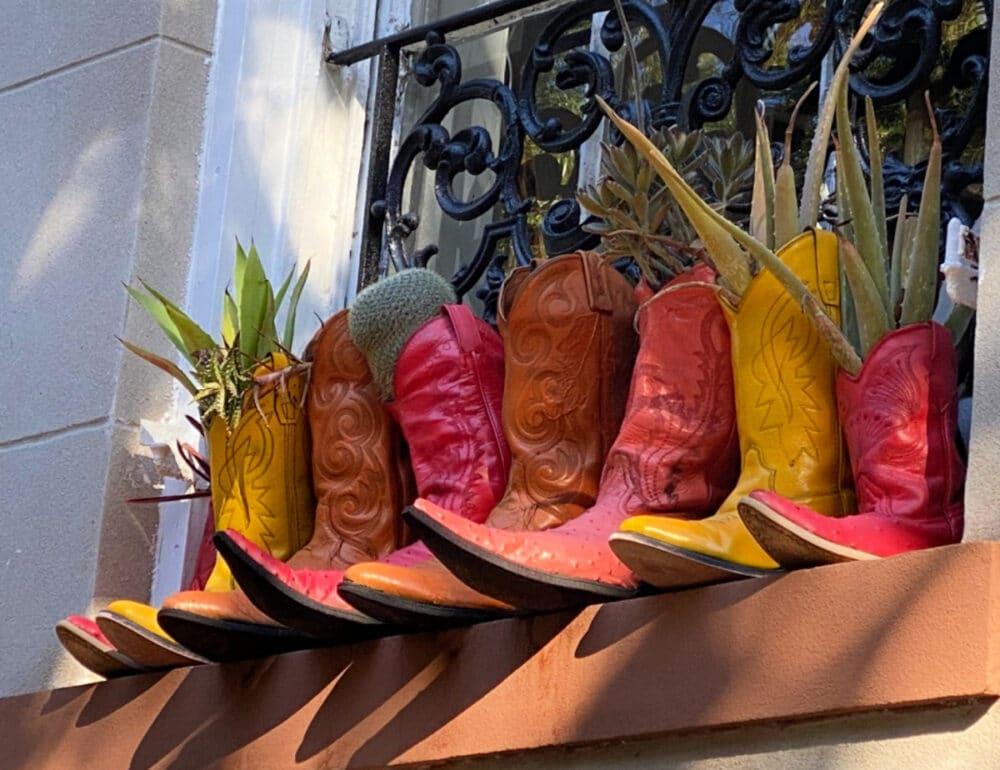 cowboy-boot-planters