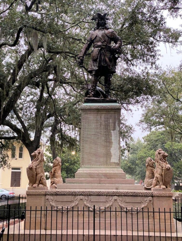 savannah-square-statue-of-James-Oglethorpe