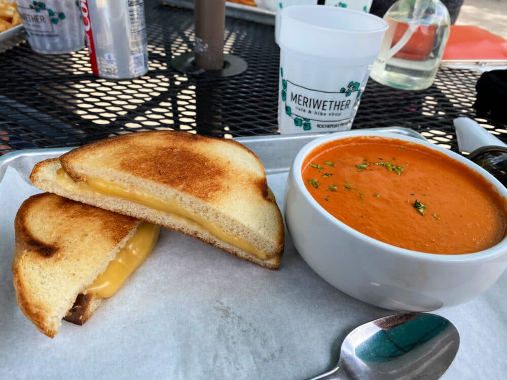 grilled-cheese-with-tomato-bisque