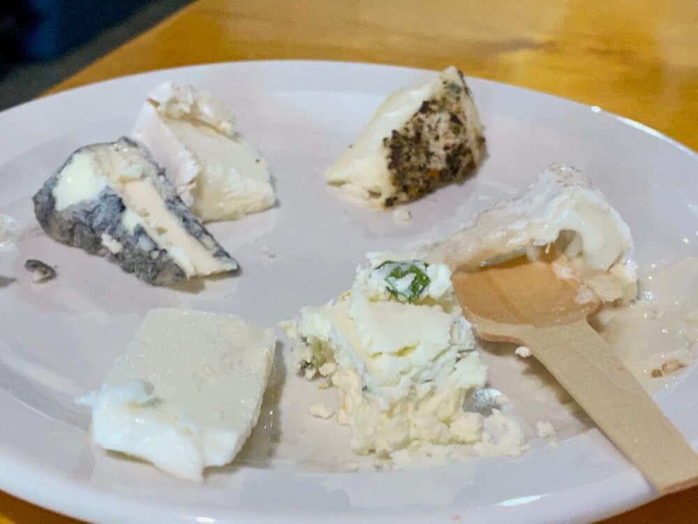 plate-of-goat-cheeses