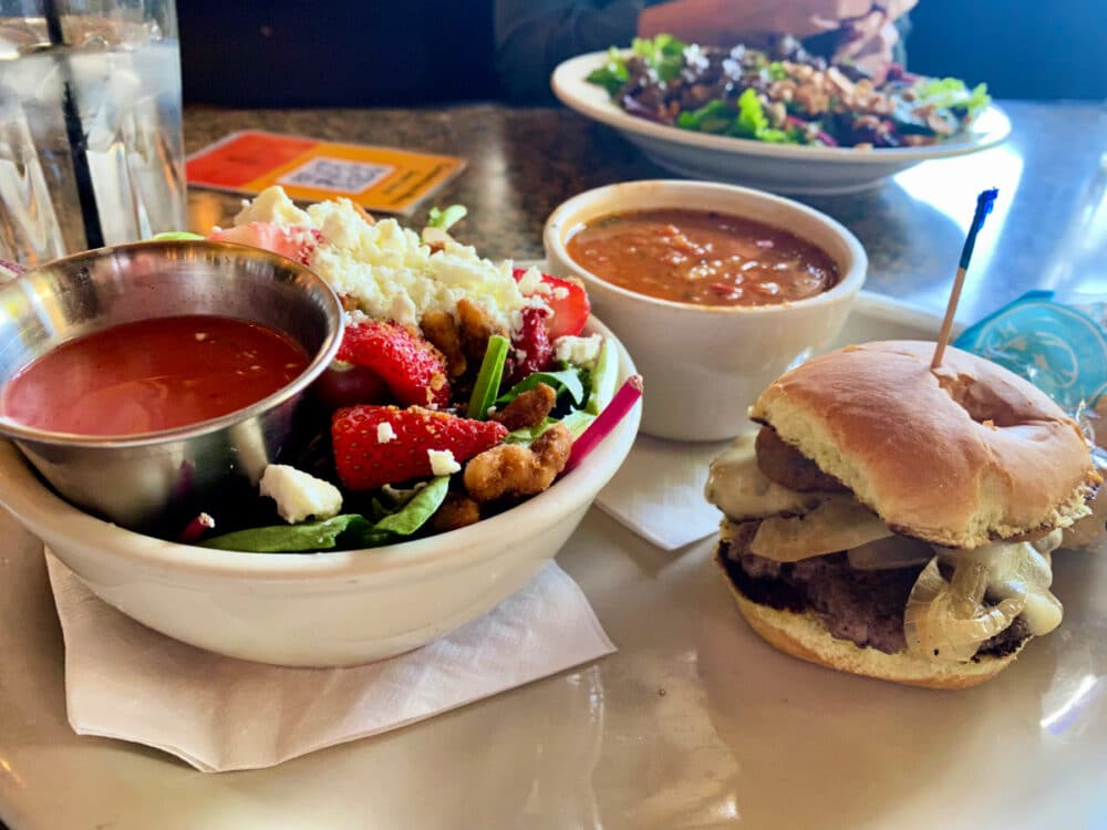 trio-lunch-with-salad-soup-and-slider-from-seven-saints