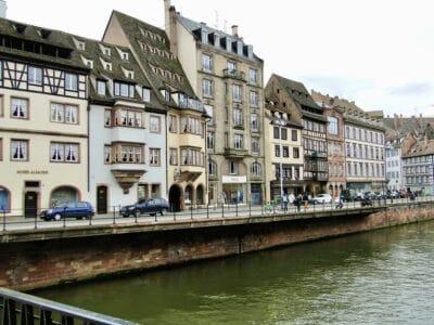 river-cruising-architecture-of-europe
